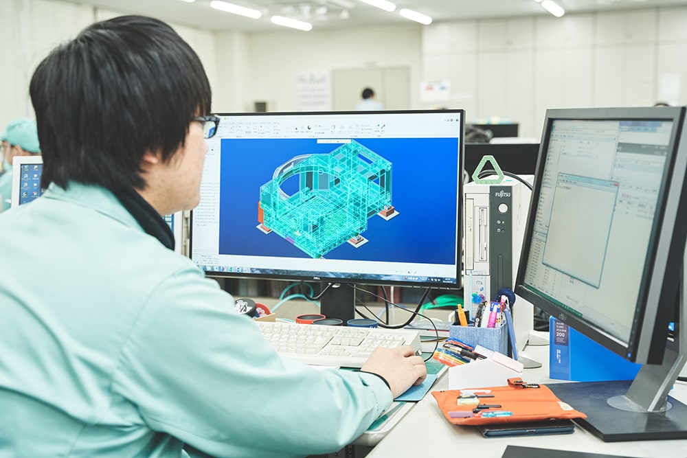 システム精工に入社した<br /> 理由を教えてください お客さんの要望に沿って、機械を設計・制作する(決まった機械を作らない)ところ